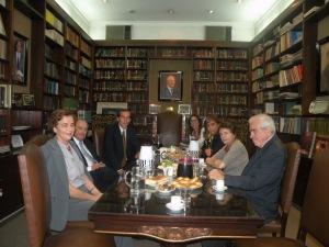 Sara Shaw de Critto, Alberto Gabrielli (EF.´96), Hugo Alconada Mon (EF. '14), Laura Alonso (ef. '08), Marta Pascual (EF. ´88), Sofia Laferrere de Pinedo, Adolfo Critto (EF. '84).